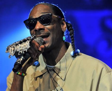snoop dogs real name it s snoop dogg can you guess the pop s real name