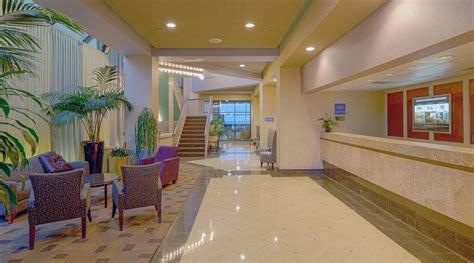 2 bedroom hotel suites in virginia beach beach quarters resort beautiful 1 bedroom suite virginia