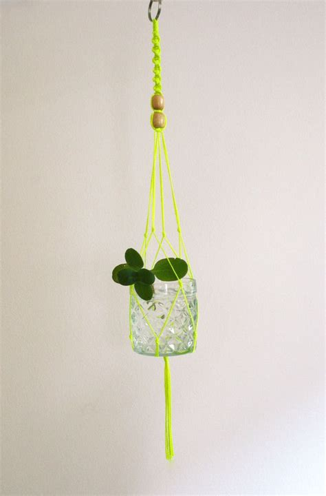 Hanging Plant Holders Macrame - 42 best diy plant hangers images on