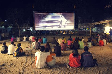 backyard movie theatre how to create an outdoor movie theater