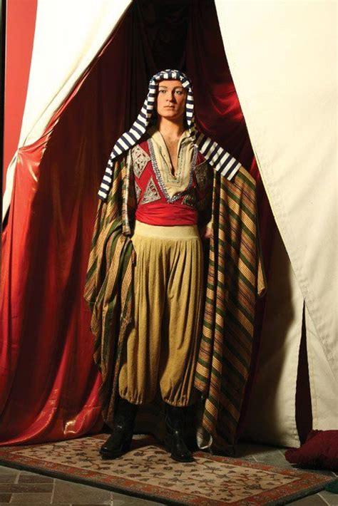Hiasan Figure Ben 10 Hallmark rudolph valentino as sheik ahmed ben hassan madame