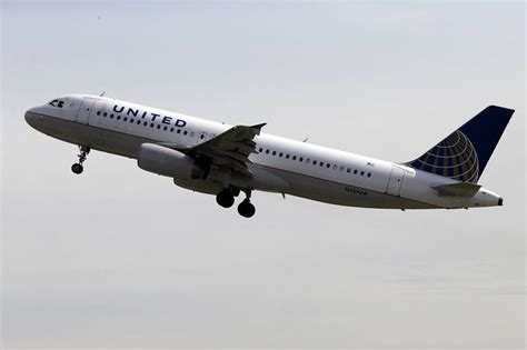 united airlines military com united airlines passengers forced to chill out overnight