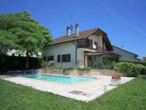 four bedroom houses rent available for rent 4 bedroom house with pool near geneva