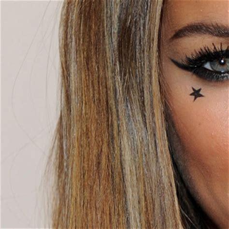 star tattoo under eye celebrities with star tattoos 2010 09 30 07 00 00