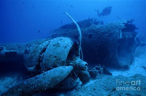 boat crash corsica sunken ships and planes sunken b17 airplane wreck