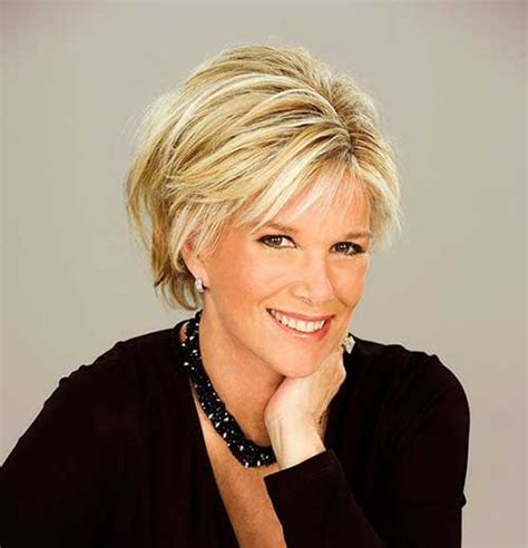 Short Haircuts for Older Women   Look Stylish!   Hairiz