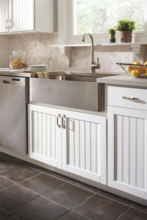 Country Kitchen Cabinet Aristokraft Cabinetry S Traditional Country Sink Cabinet Base Is The Complement To The