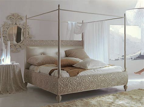 Upholstered Canopy Bed 301 Moved Permanently
