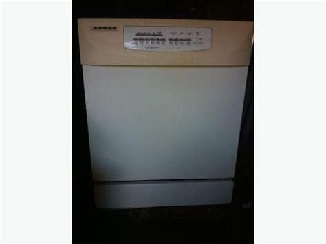 Kitchenaid Stainless Dishwasher by White Kitchenaid Dishwasher With Stainless Steel Interior