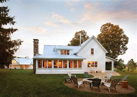 farmhouse backyard 25 best ideas about farmhouse addition on pinterest