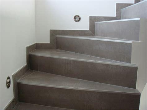carrelage gris fonc 233 sur escalier