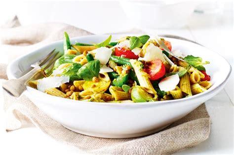 Sprei Set Pasta Salur pasta salad with lentils pesto beans