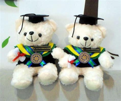Boneka Wisuda 2017 duduk universitas udayana bali kado wisudaku