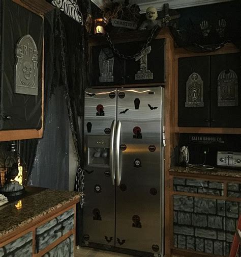 spooky halloween creepy kitchen decorations making the most haunted room at home mykitcheninterior 2703 best images about halloween decorating ideas scare