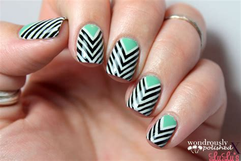 chevron pattern on nails taped chevron nail art 183 how to paint a stripy nail 183 nail
