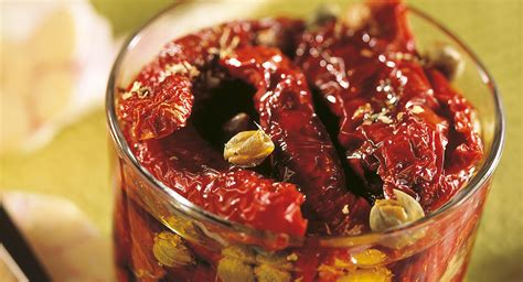 cucinare i pomodori secchi pomodori secchi con capperi e origano cucina