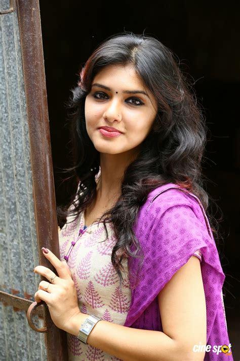 malayalam film actress hot photo gallery jamna pyari malayalam movie review trailer songs photo gallery