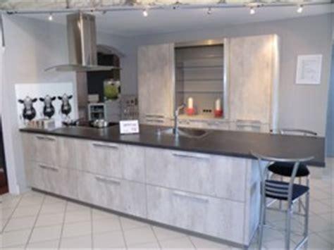 küchengestaltung landhaus bauformat musterk 252 che cube 130 beton optik
