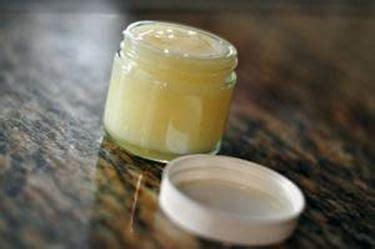 candele con cera d api cera d api pulizia caratteristiche della cera d api