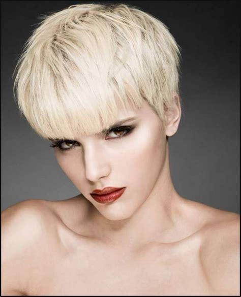 blonde kurze haare   einfache frisuren coupe