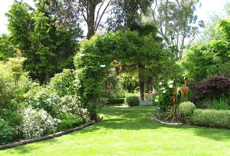 Garden Ideas For Large Gardens 28 Outstanding Landscape Ideas For Large Gardens Izvipi