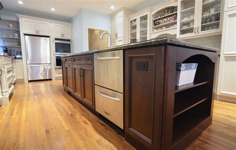 oversized kitchen islands 28 oversized kitchen islands beautiful kitchen features an oversized island topped with