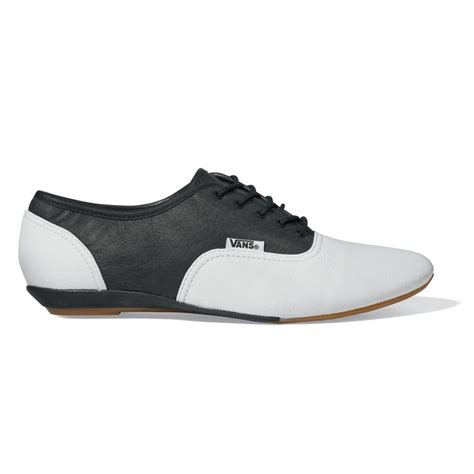 vans oxford shoes vans quot quot saddle shoe 55 00 clothes get on me
