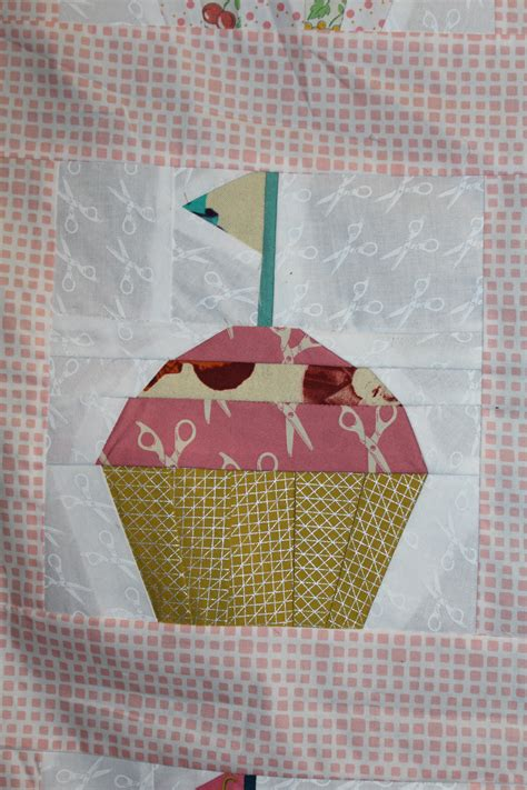 Cupcake Quilt Block by Paper Piecing Quot Cupcake Quot Quilt Block Tutorial Harts