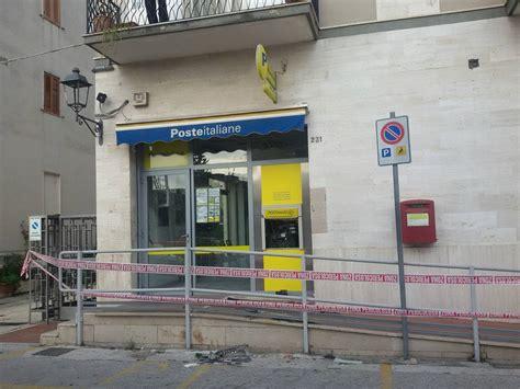 uffici atm esplosione fuori ufficio postale di mattinata rubato