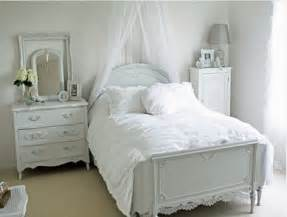 tips small bedrooms: small bedroom decorating ideas bedroom decorating ideas small bedroom