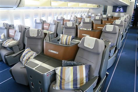 boeing 747 cabin flight review lufthansa 747 8 business dc to frankfurt