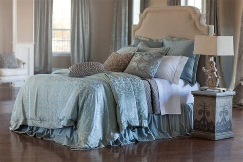 Coverlet Fabric Lili Alessandra Jackie In Luxurious Silk Tencel Fabric In