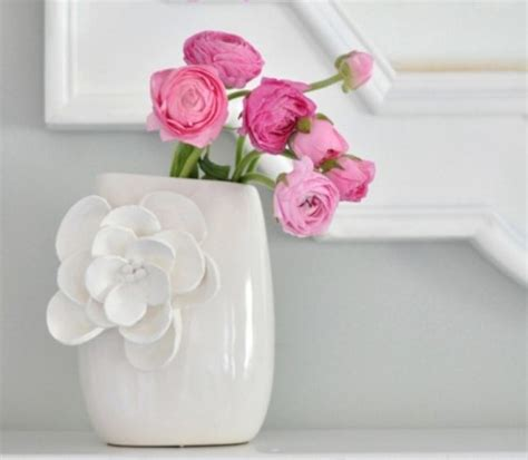 Ways To Decorate A Vase by 5 Easy Ways To Decorate Plain Vases
