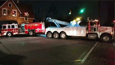 truck harrisburg pa harrisburg pa wagon 4 struck by minivan firefighter