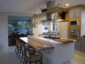 Kitchen Cabinet Designs For Small Spaces Cozinha Ilha 201 Colocada A Meio Da Cozinha E Tem M 250 Ltiplos