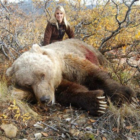 Hot women hunting bears