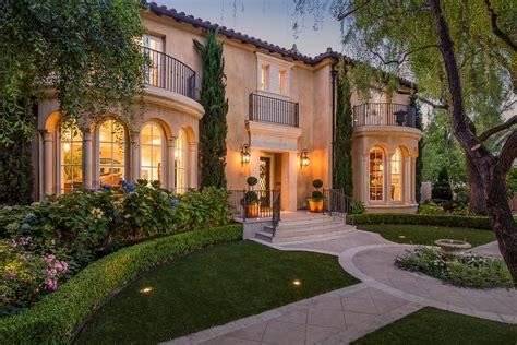 villas for sale in santa clara marbella estates