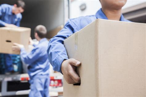 hiring movers the top 4 benefits of hiring a professional moving company