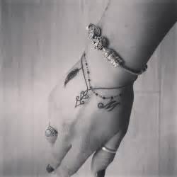 Tattoo Ideas Foot Woman Best 25 Bracelet Tattoos Ideas On Pinterest Wrist Bracelet Tattoos Ankle Bracelet Tattoos