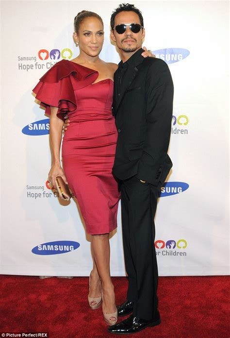 Posh Wants To Borrow Jlos by Marc Anthony Buys 4m Mansion As A Wedding Present For