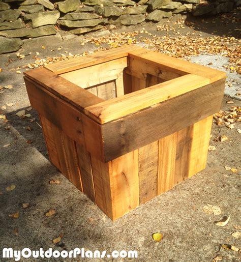 Diy Pallet Planter Box Myoutdoorplans Free Woodworking Pallet Planter Box Plans