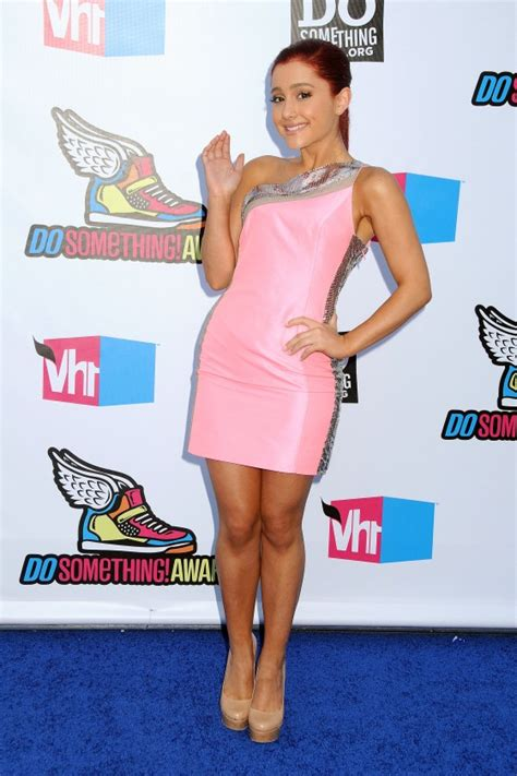 What Does Ariana Grande Wear To A Party | ariana grande wear pink dress at 2011 vh1 do something