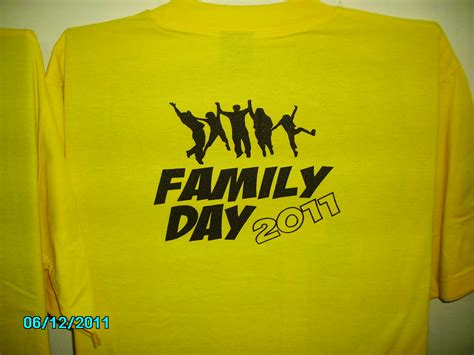 design baju untuk family day baju family day mohcetakbaju newhairstylesformen2014 com