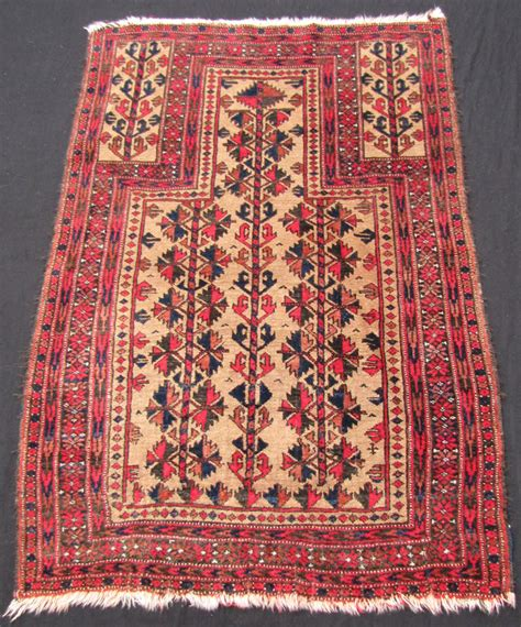 Auction Art And Antiques Includeing Rugs And Carpets Rug Rug Auction