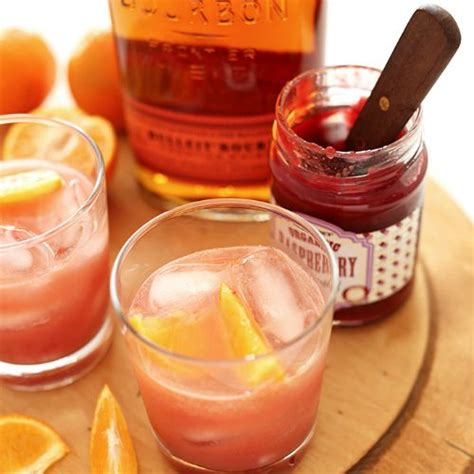 signature cocktail raspberry bourbon smash nomnoms signature cocktail 31 amazing cocktail recipes