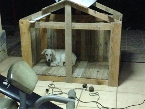 hand built dog houses diy tutorial how to build a pallet dog house 101 pallet ideas