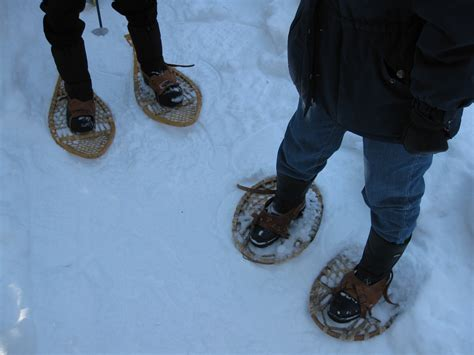 snow shoe file snowshoes two styles jpg