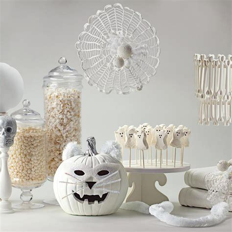 Chic Halloween Decorations Chic Halloween Decorating Ideas Instyle Com