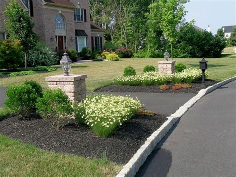 1000 ideas about driveway entrance landscaping on pinterest driveway entrance driveways and