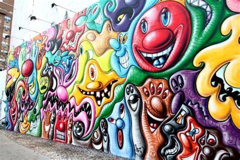 kenny scharf houston street mural  complete highsnobiety